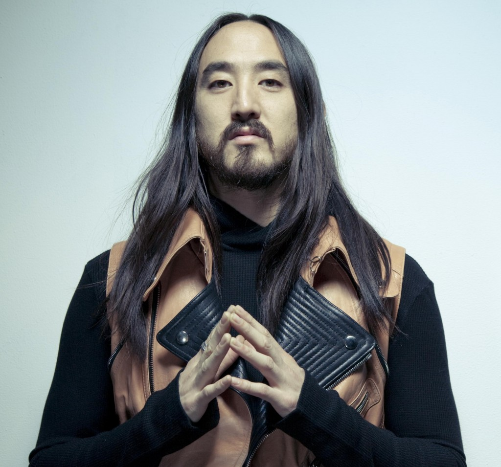 The 40-year old son of father Rocky and mother Chizuru, 183 cm tall Steve Aoki in 2018 photo